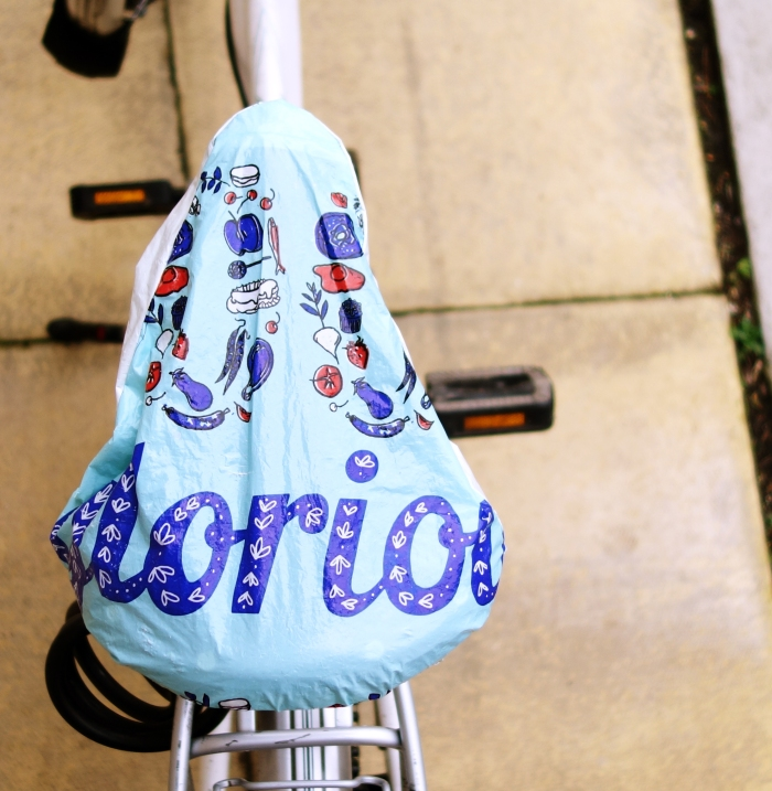How to make a Saddle cover from bag-for-life